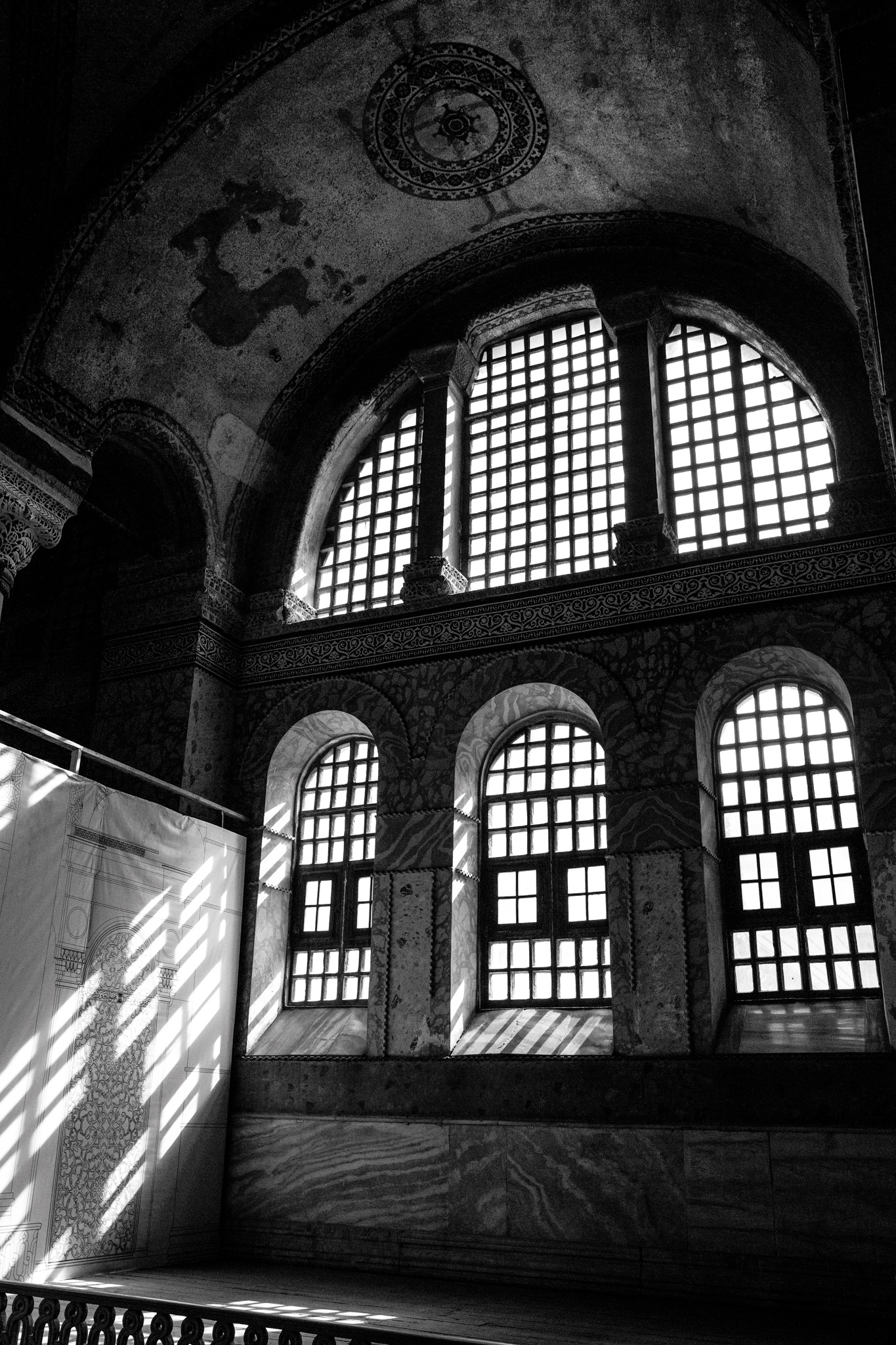 istanbul_ayasofya_inside-1629-window-light-beams.jpg