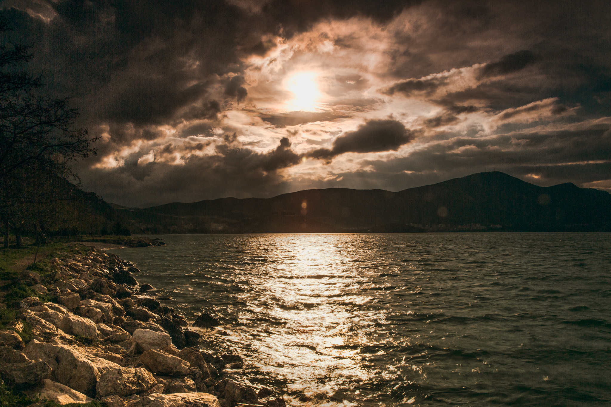 egirdir_causeway-to-yesil-ada-green-island-3825-Edit_sunset-on-rocky-shore.jpg