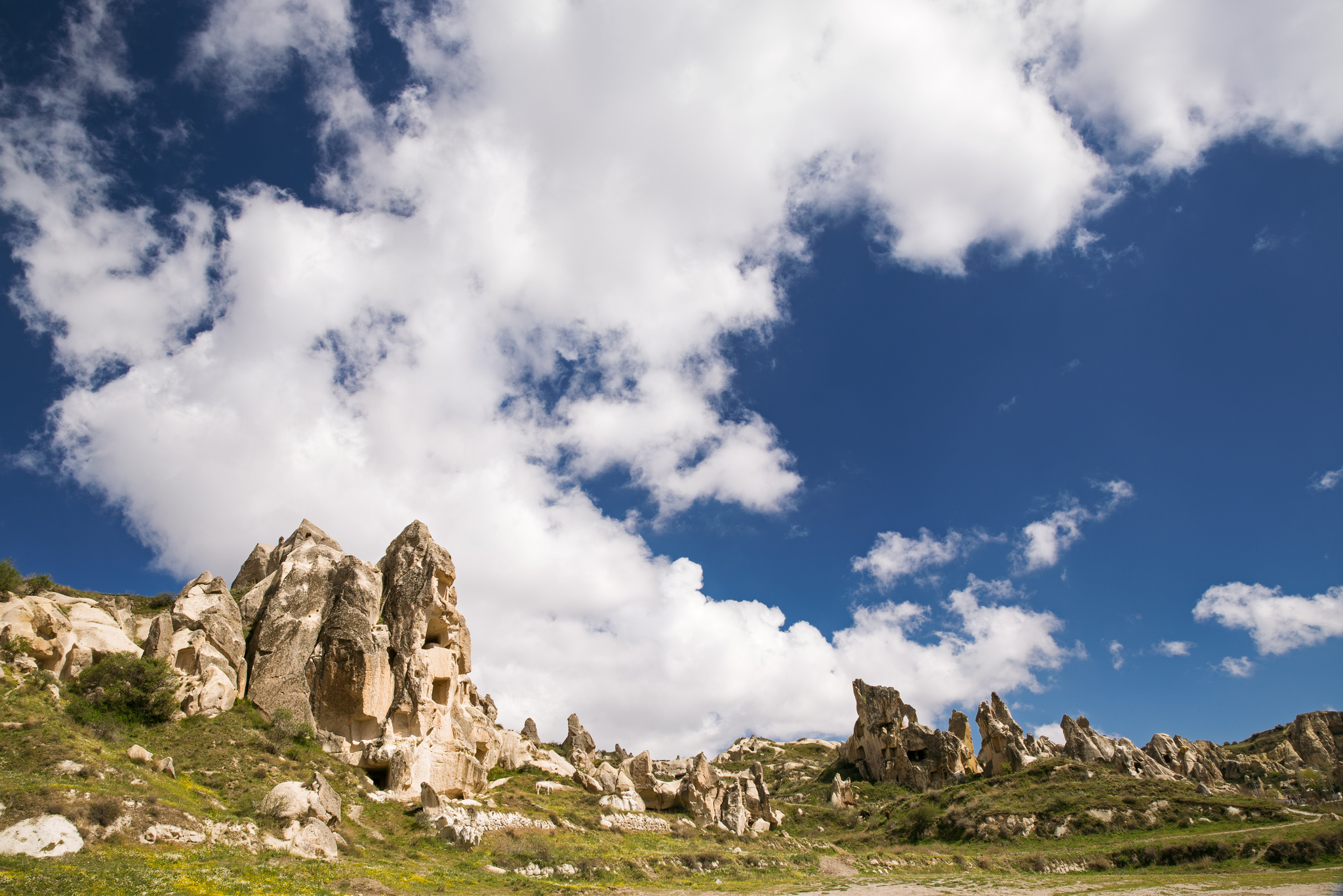goreme_rose-valley_part1-3897-Edit-tulip-rock-landscape-with-white-clouds.jpg