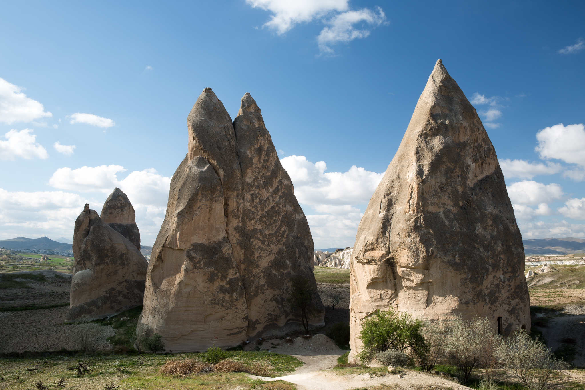 goreme_rose-valley_part2-4106-Edit_tulip-rocks-three-in-a-row.jpg