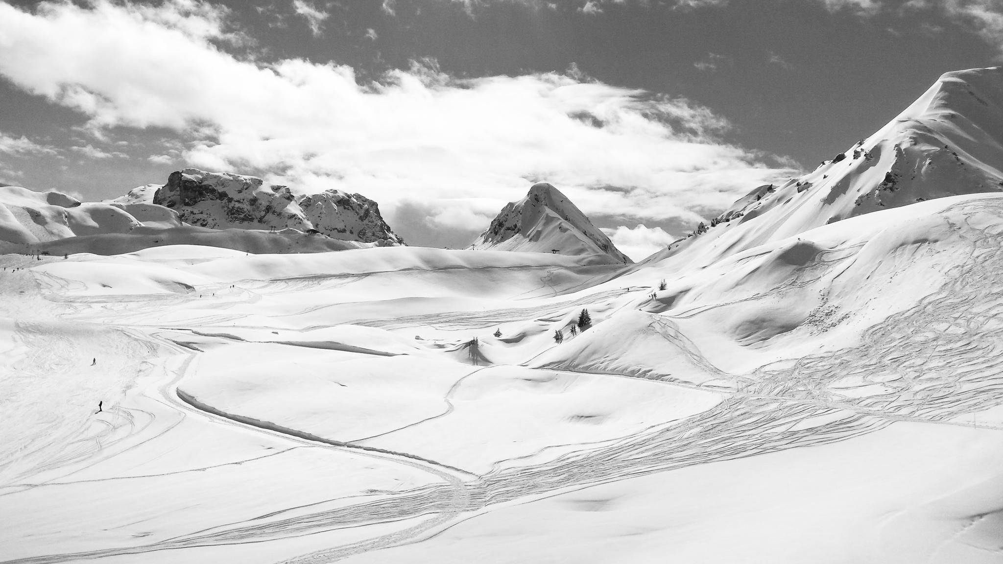 114942-snowboarding-photographer.jpg