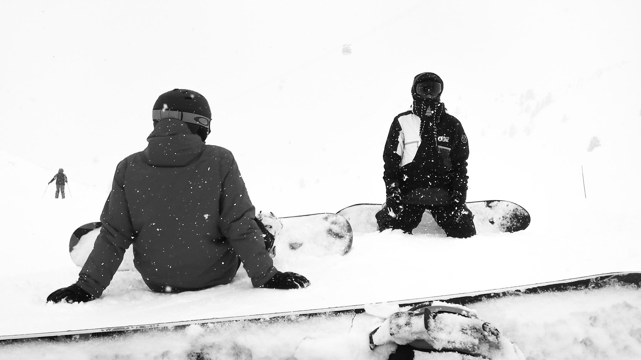 141648-snowboarding-photographer.jpg