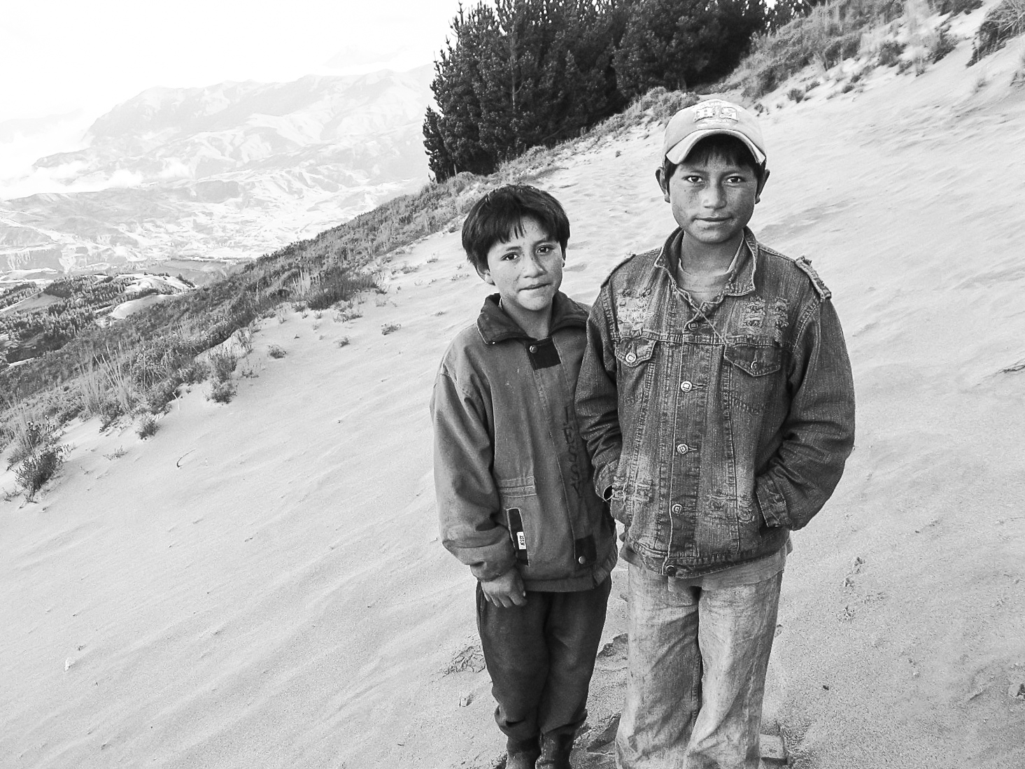 latagunga-to-chugchilan-gringoloop_quilotoacrater-past-guayama-to-chugchilan-9328-two-ecuadorian-boys.jpg