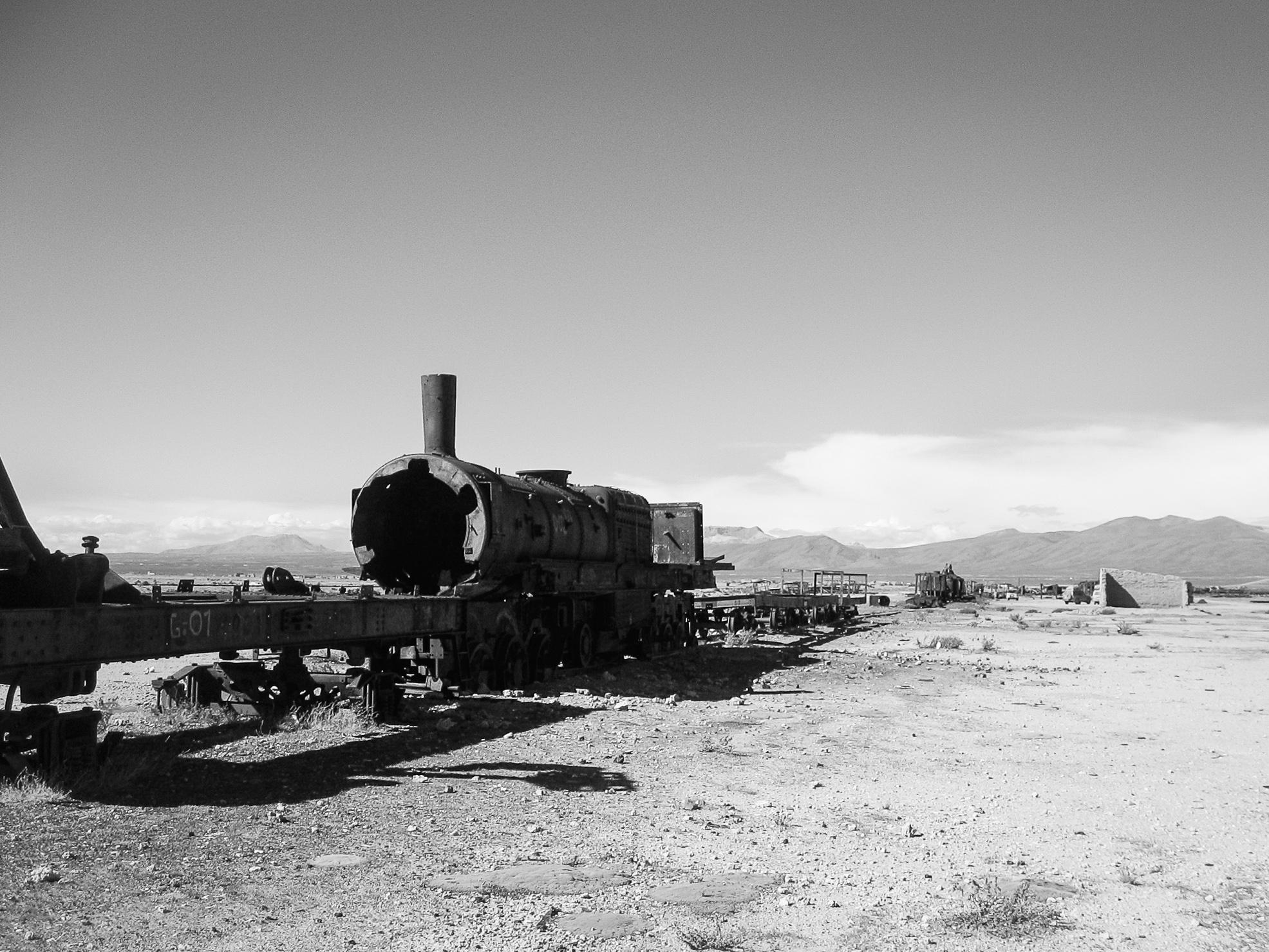 uyuni_salt-flats_day1-8691-train-graveyard.jpg