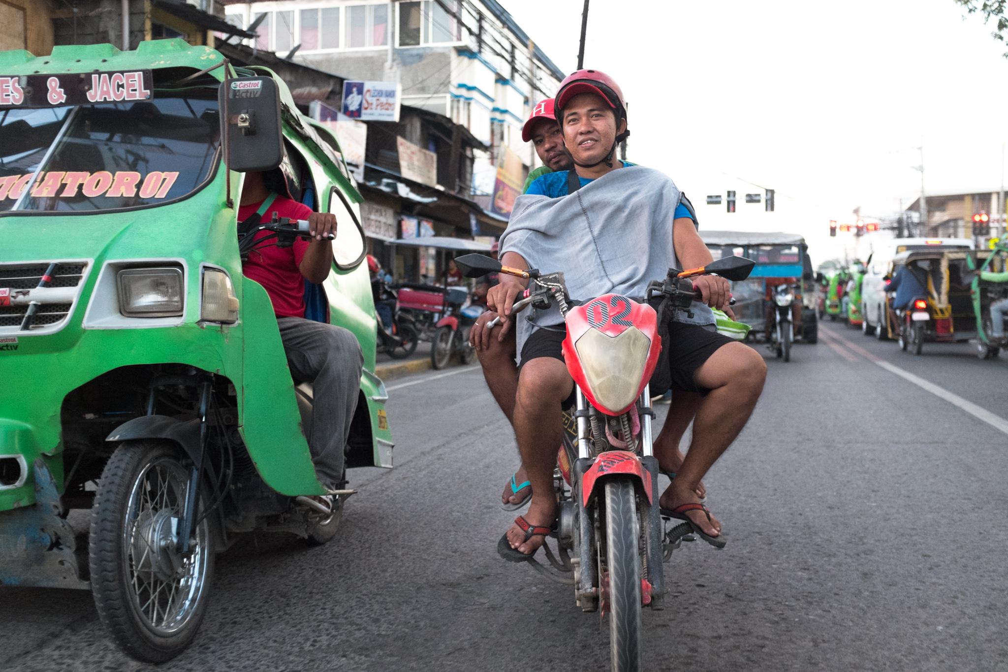 3329-philippines_scooter-biking.jpg
