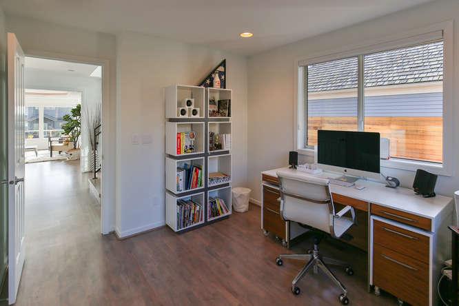 126 11th Ave Kirkland WA 98033-small-005-3-Office-666x444-72dpi.jpg