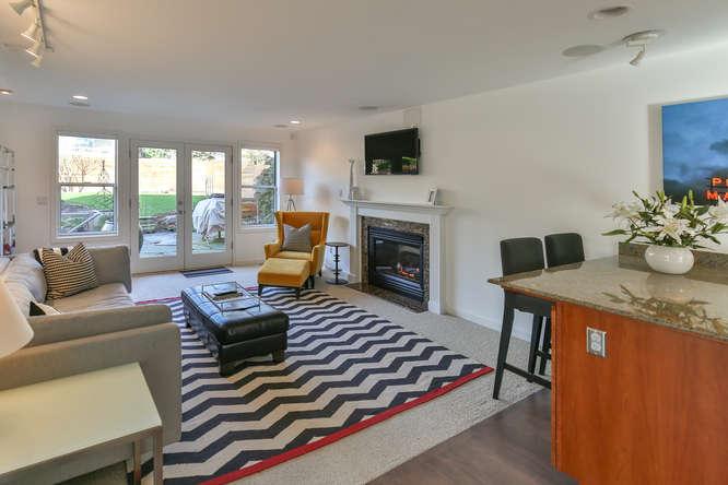126 11th Ave Kirkland WA 98033-small-009-16-Family Room-666x444-72dpi.jpg