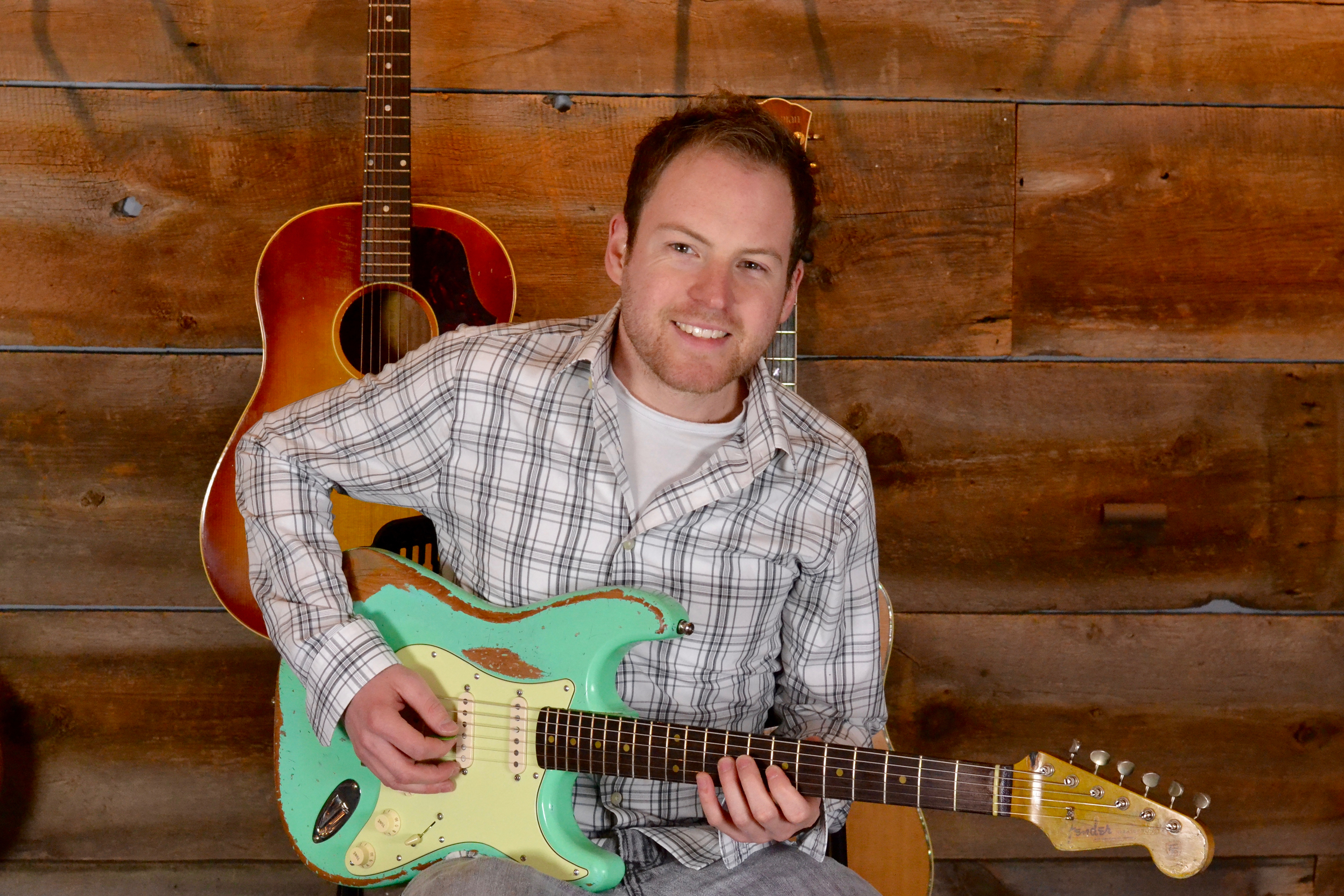 BARRETT LEWIS  ELECTRIC, ACOUSTIC GUITAR   Barrett is one of the top musicians in Tulsa live music. He is very in tune with current music styles and has been teaching for years.. He is also the leader of the Barrett Lewis Band.