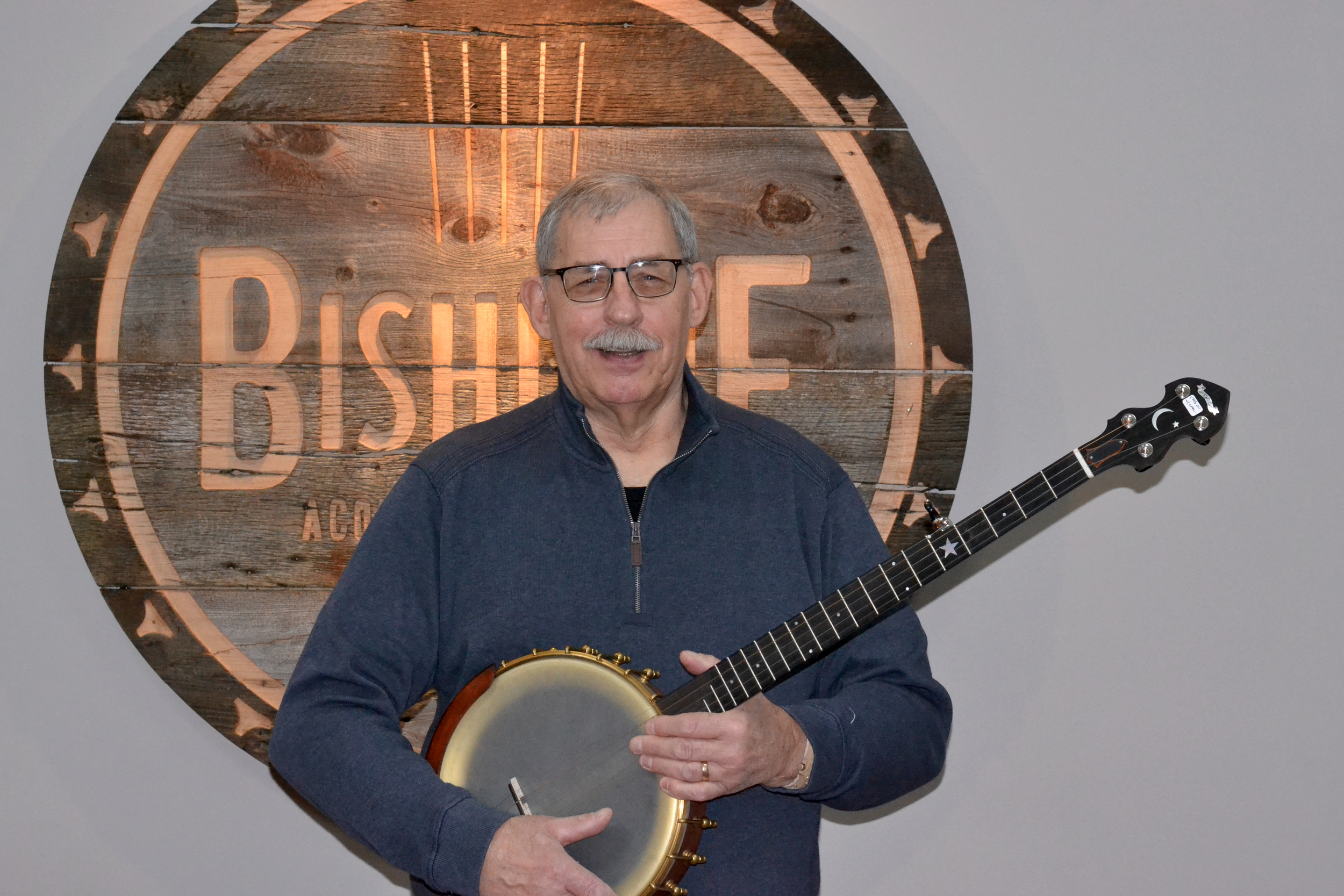 TOM RUSSELL  CLAWHAMER, SCRUGSS BANJO  Tom is a very talented banjo player that is proficient in bluegrass and clawhammer styles. Tom brings years of banjo experience and knowledge into every lesson.