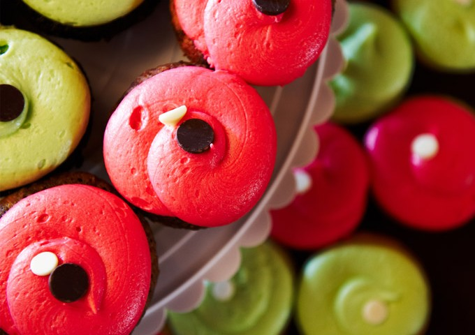 Cupcakes in vanilla, chocolate, and swirl!