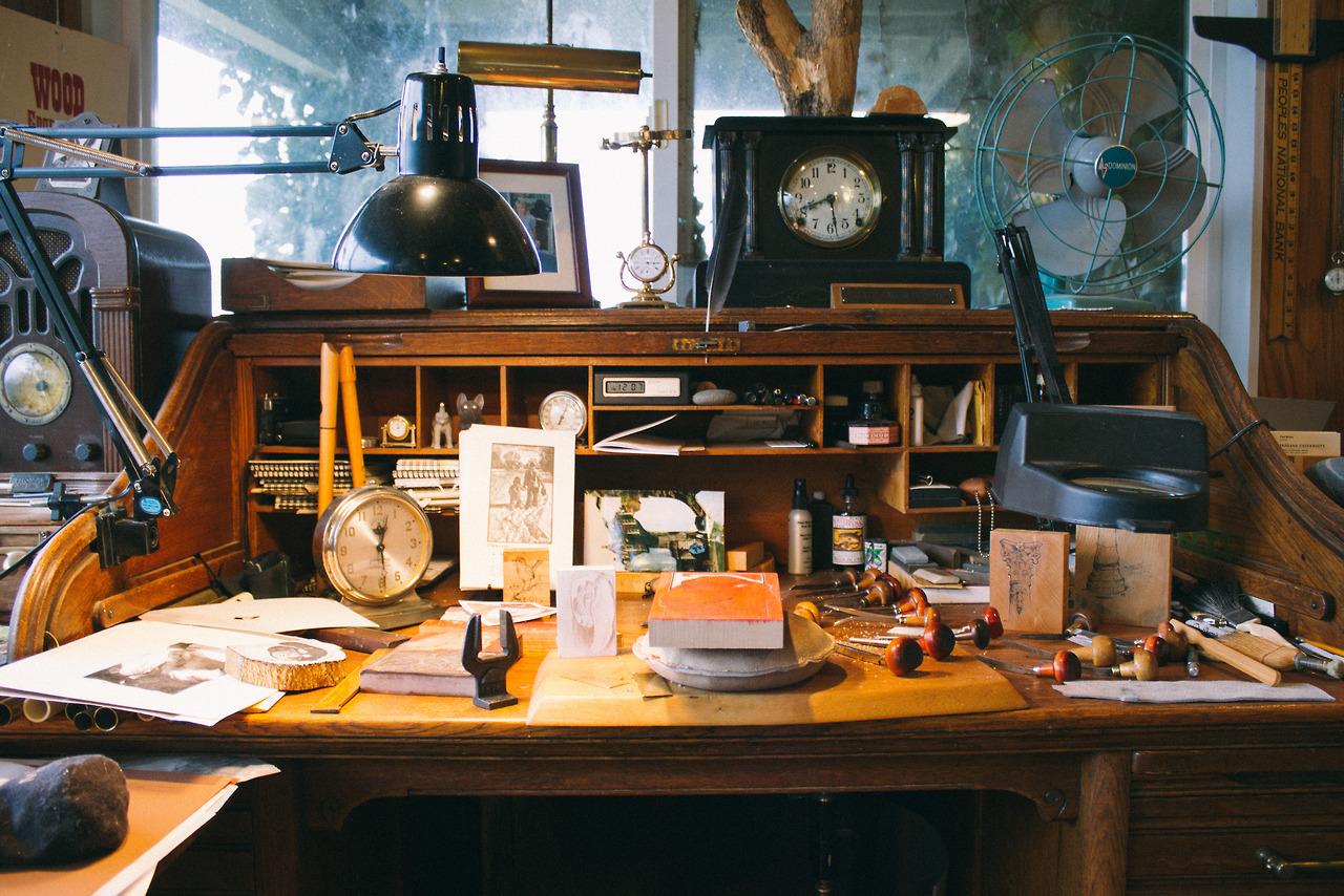 Carls Engraving Desk