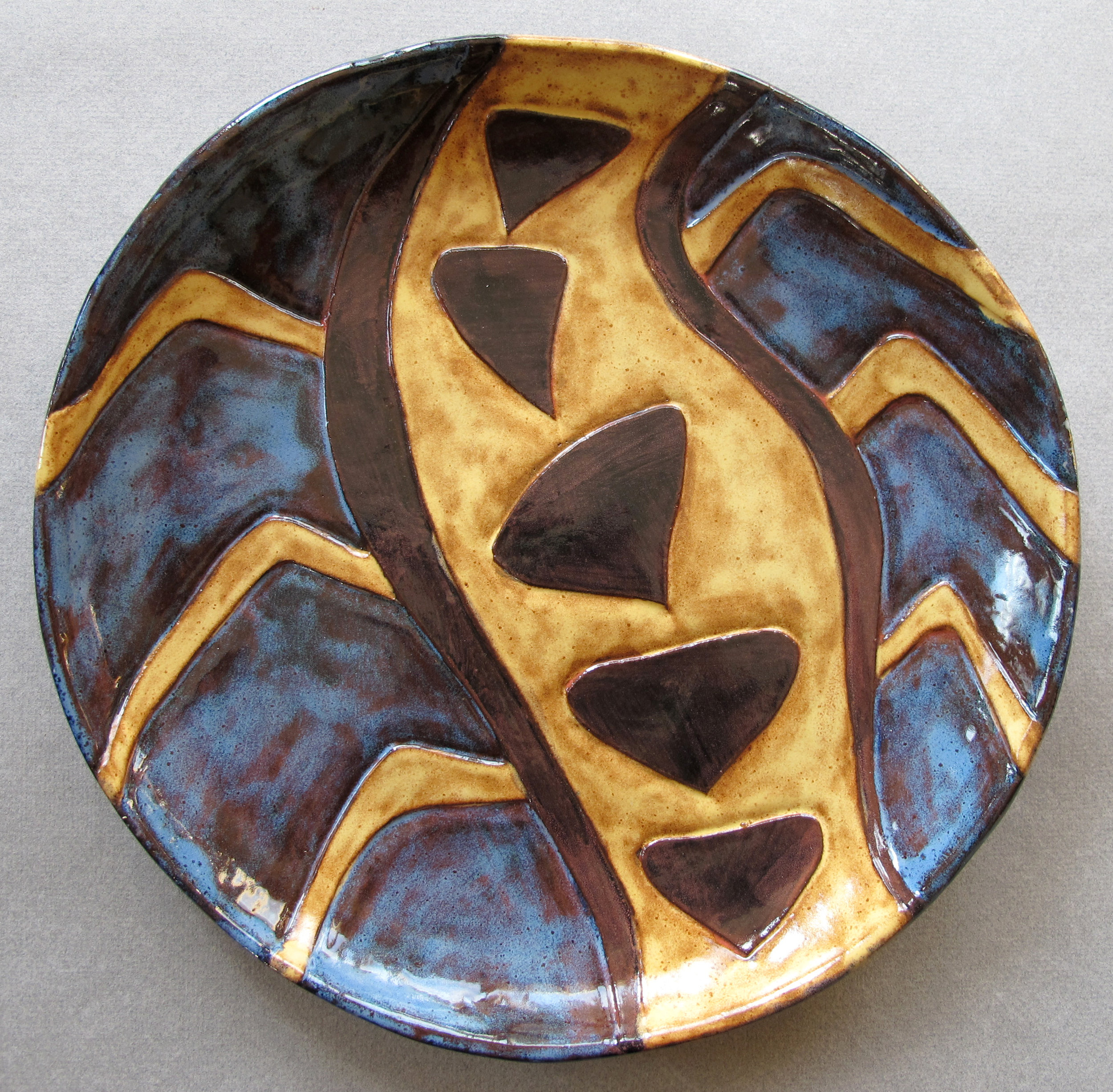 YELLOW ON BLUE SPIDER PLATE