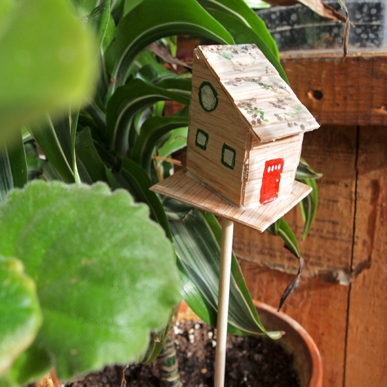 Make your own Tiny Treehouse