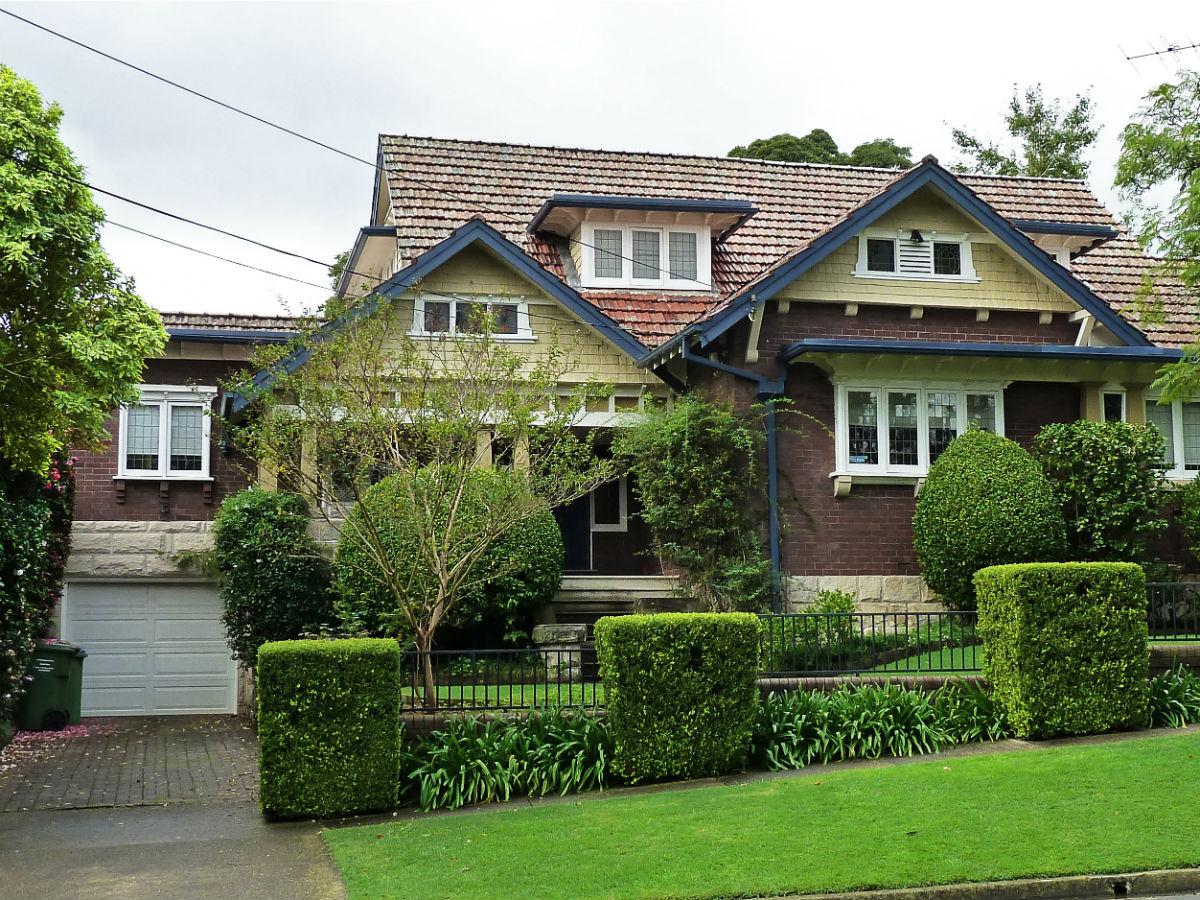 23_Waimea_Road_Lindfield_New_South_Wales_(2011-04-28).jpg