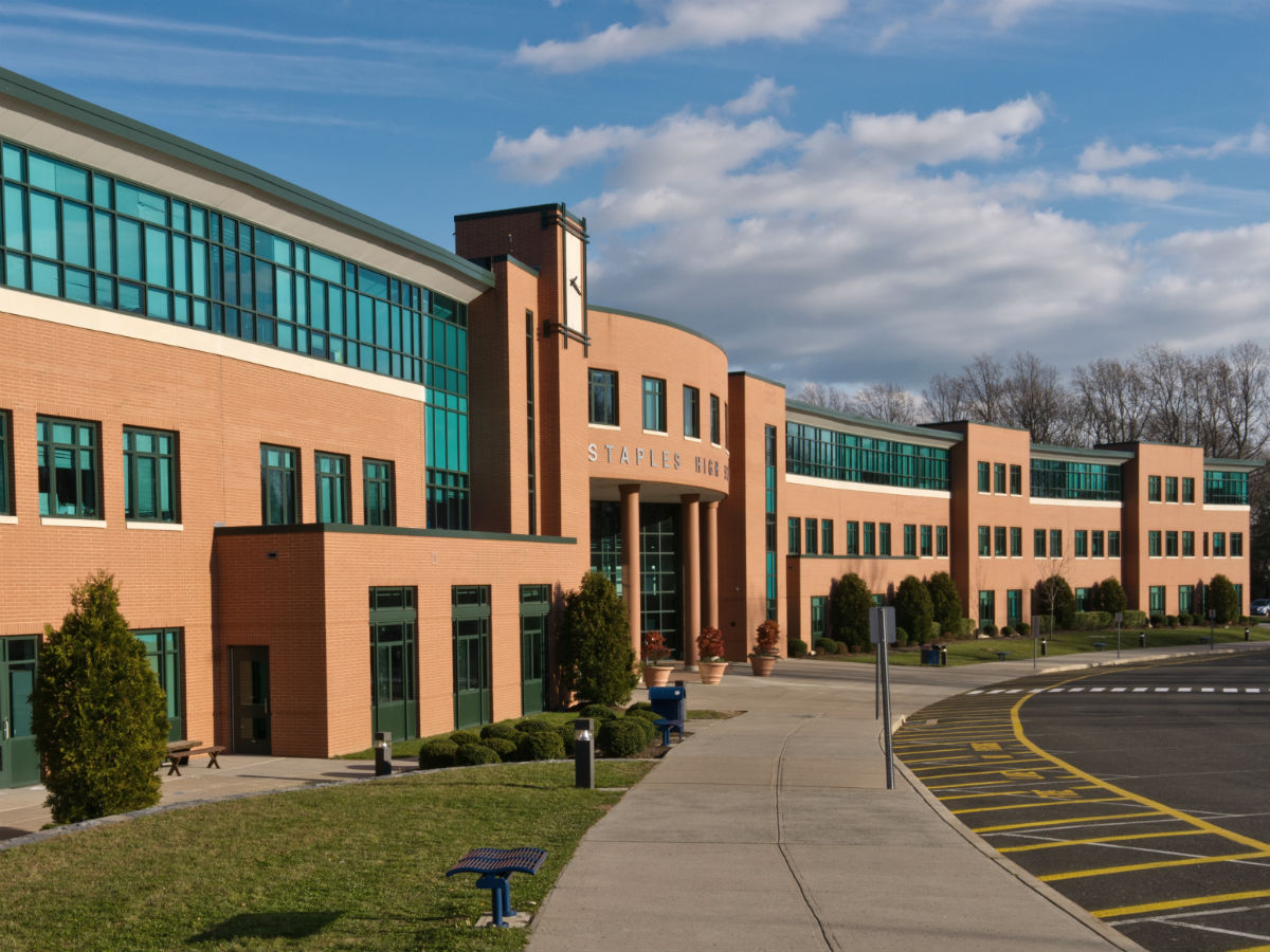 Staples_High_School_Westport_CT.jpg