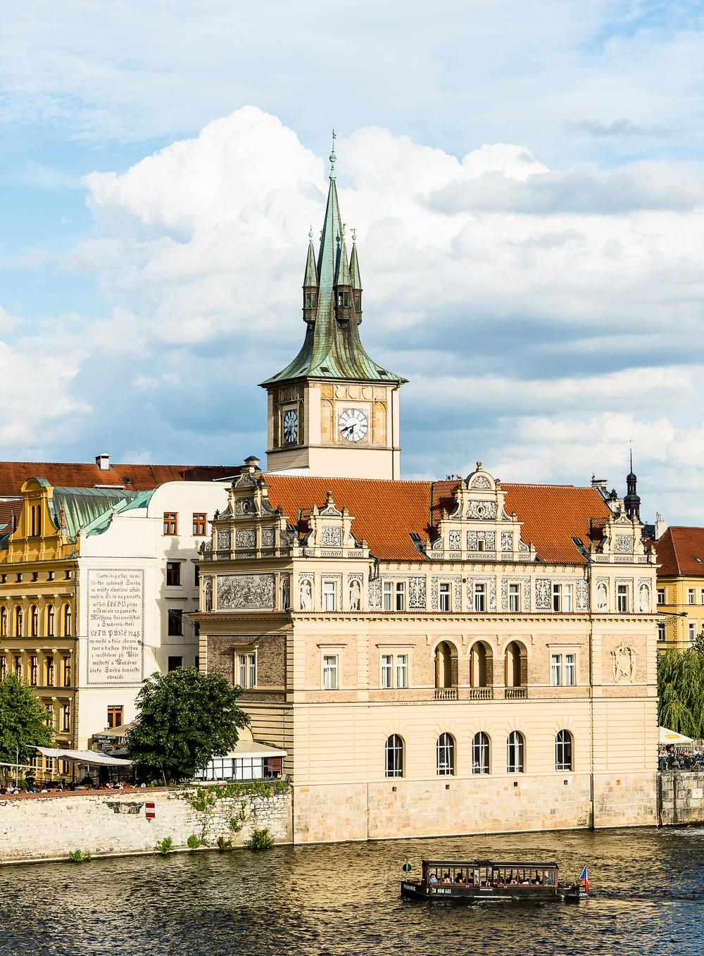 PragueWeb-04.jpg
