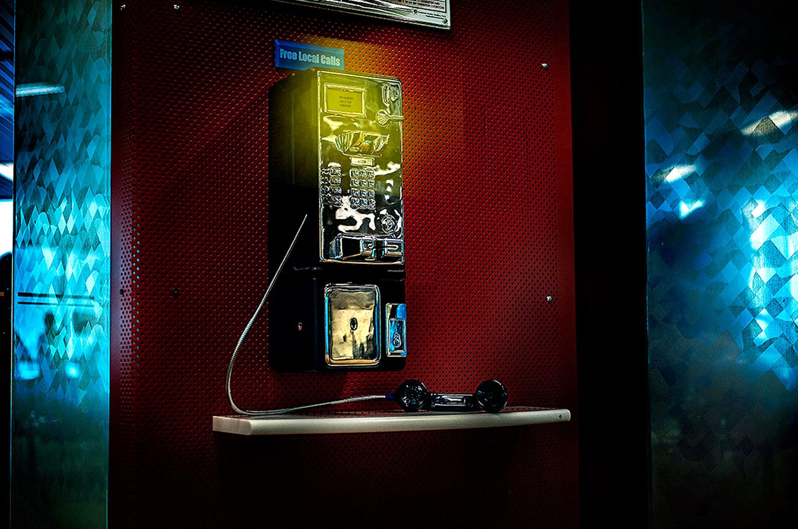 Neonopolis_phone_2_1s.jpg