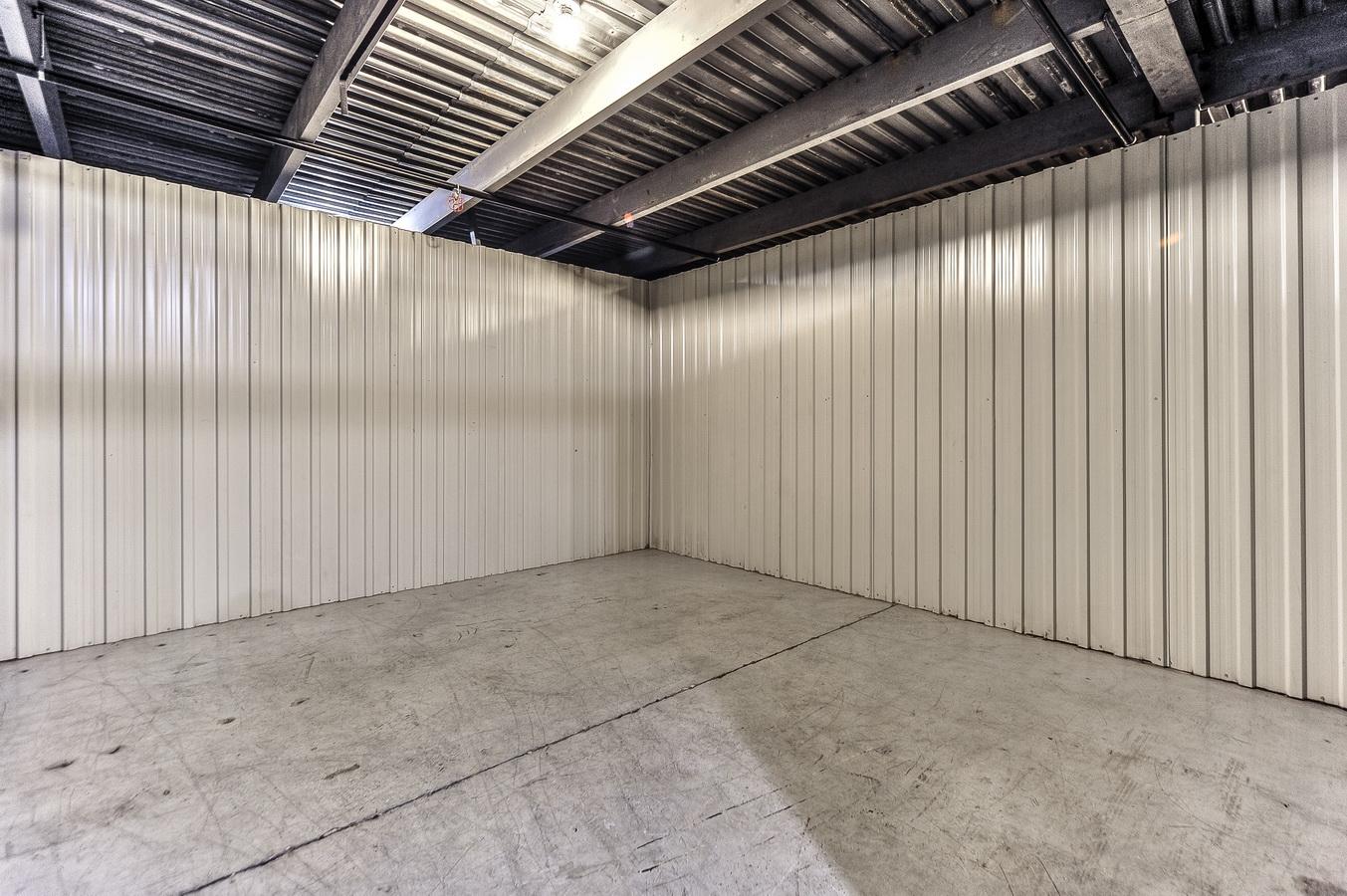 10 x 15(+/-150 pieds carrés)