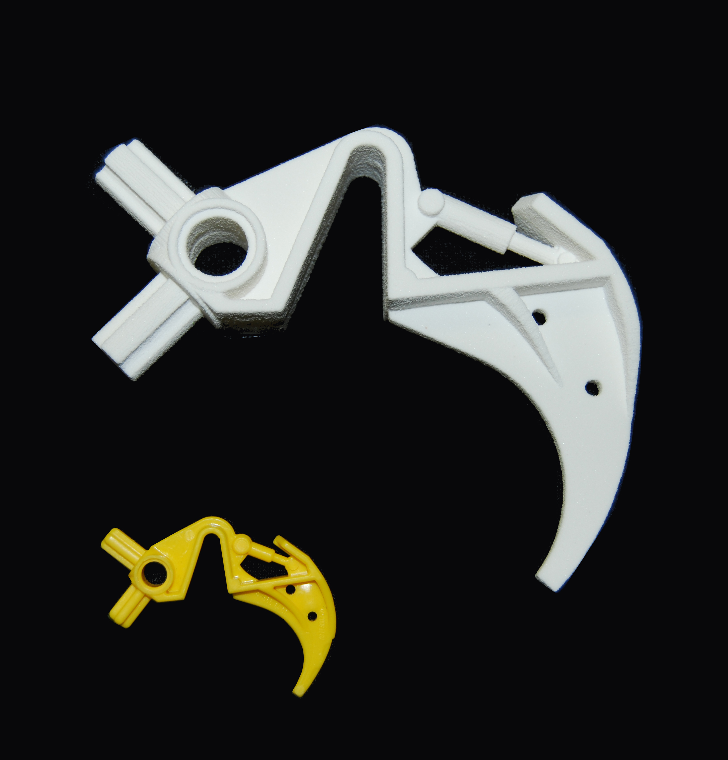 3D Printing a Bionicle Piece [Piece in Yellow, 3D Print in White]