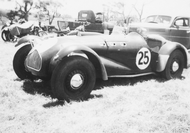 The Hawkes Allard in the Collingrove paddock March 1952. The modifications referred to in the text are not yet evident, this is early in Hawkes ownership of the car. Compare with the other later Collingrove shot below and the Sellicks Beach shot above where the car is running sans guards and with the wire wheels referred to in the text. (State Library of SA)