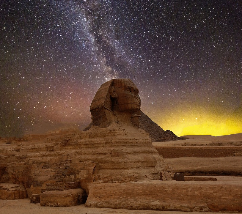 Starry-night-pyramid.jpg