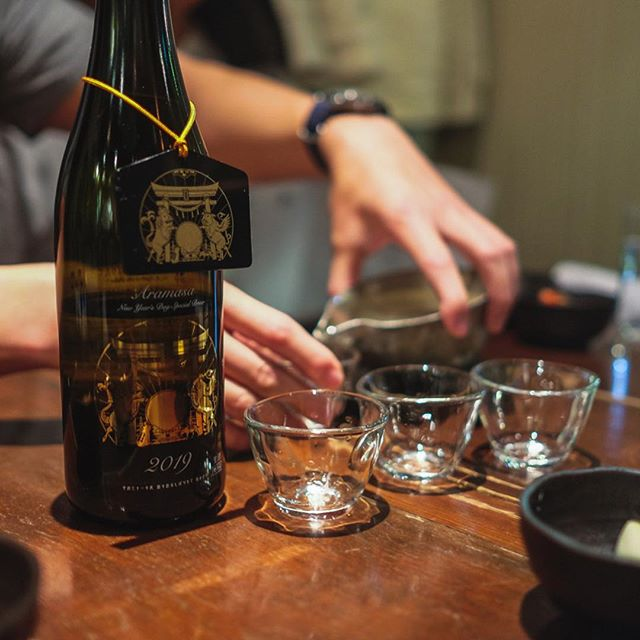 "Maishin, Shibuya, Tokyo, Japan. Local gem serving hard to find (deliciously bright and fresh) sake served alongside izakaya staples. Especially the nama sakes (unpasteurized) that are less available due to how ""raw"" they are. Bring someone who can speak/read Japanese because the menus are entirely handwritten making it painful to use google translate. #sake #namasake #izakaya #japan #fujifilm @robogar @victoriahlam @lucycho"