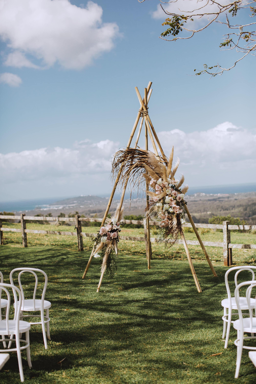 Venue - byronviewfarm | Florals - Bower Botanicals | Photo - Shane Shepherd Weddings