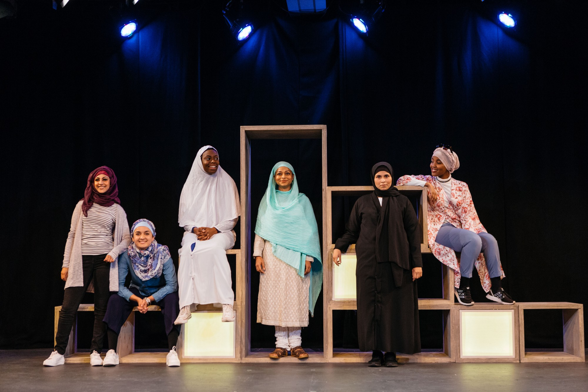 Cast-of-Hijabi-Monologues-London-directed-by-Milli-Bhatia-13-©helenmurray-2000x1333.jpg