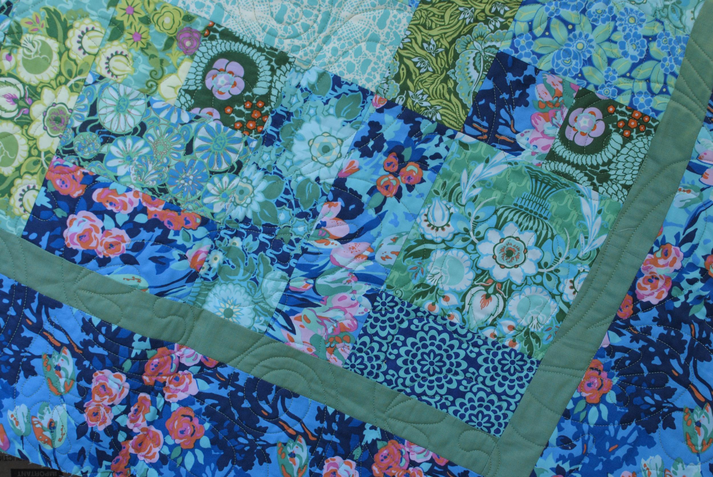 Violette Amy Butler Quilt.jpg