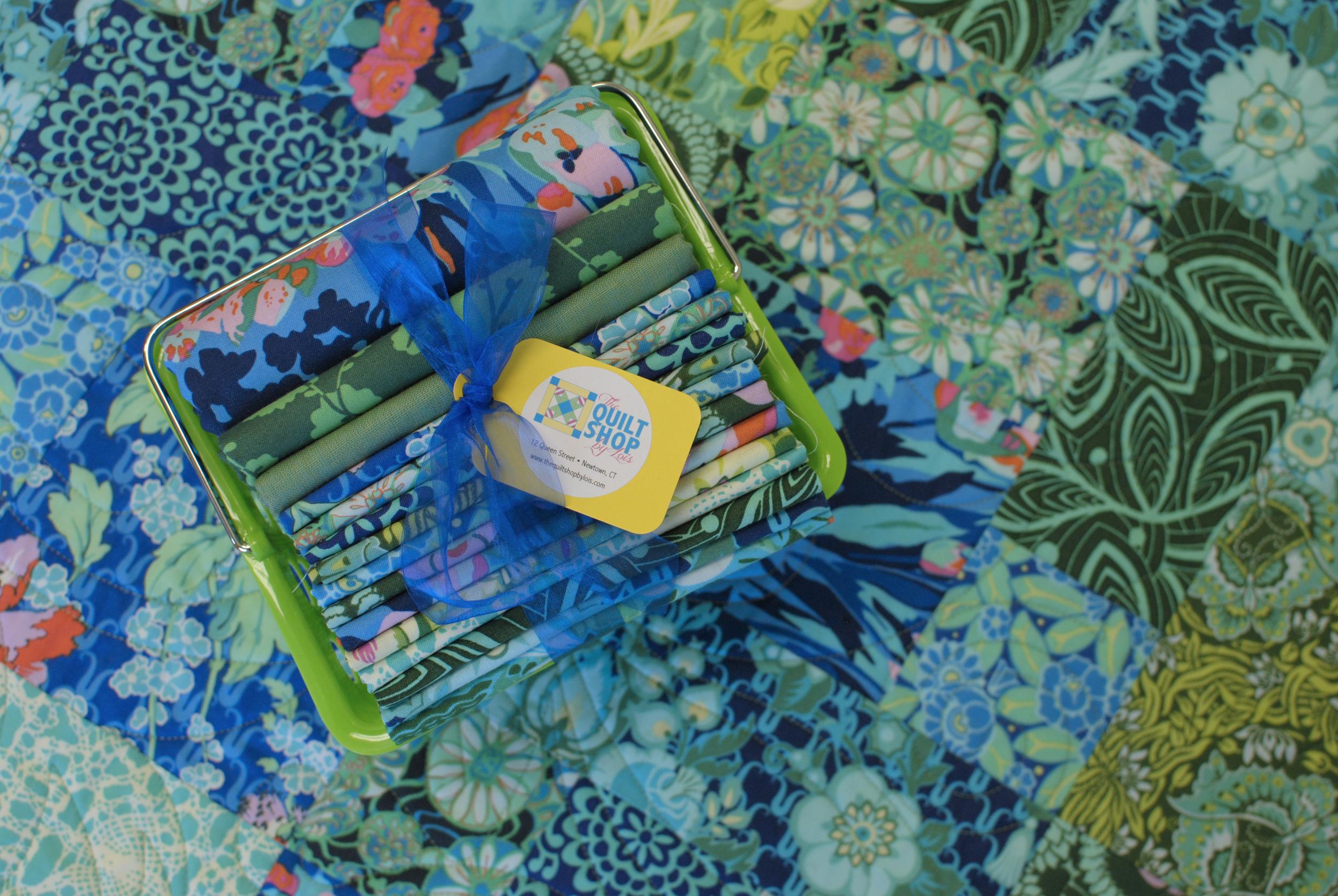 Violette AB Quilt Kit 3.jpg