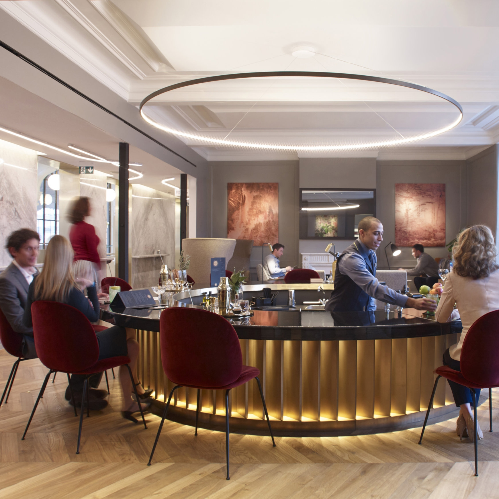 Eurostar, Paris   The subtle yet expressive FlowBar diffusers were chosen for the Eurostar Gare du Nord sophisticated Business Premier Lounge.   Read more about the project...