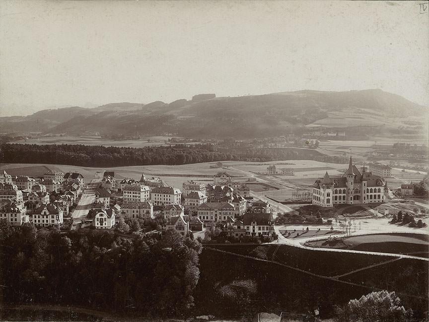 Abb. 1 Blick vom Turm des Berner Münsters auf das westliche Kirchenfeld, 1894, Foto: Hermann Völlger, Burgerbibliothek Bern © Burgerbibliothek Bern