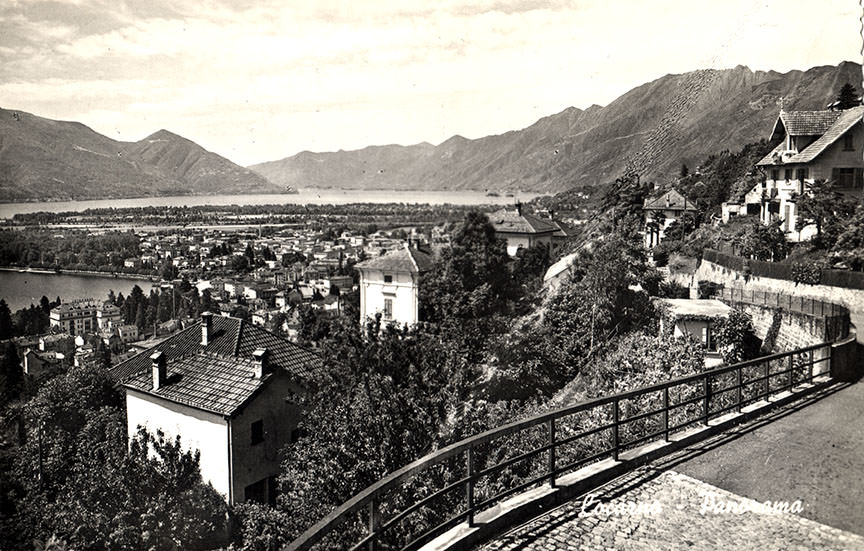 Abb.21  Panorama von Locarno und dem Maggiadelta, aufgenommen von Muralto, unweit der Klinik S. Agnese,  1956, Postkarte ©Küsnacht: Privatbesitz