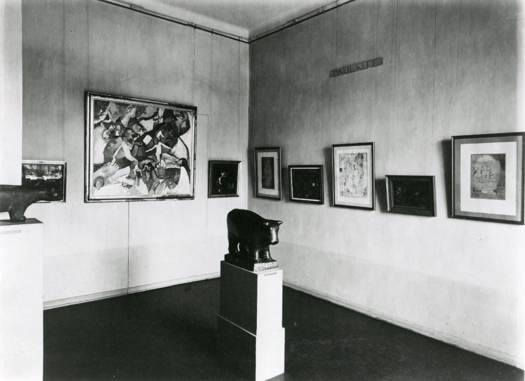 Abb. 14  Blick in die Neue Abteilung der Nationalgalerie im ehemaligen Kronprinzenpalais, um 1930 © Zentrum Paul Klee, Bildarchiv