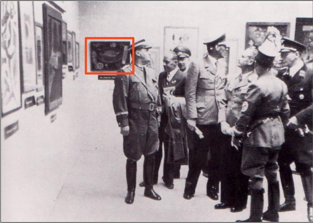 Abb. 19  Blick in die Ausstellung »Entartete Kunst«, Salzburg 1938 1938  © Zentrum Paul Klee, Bildarchiv