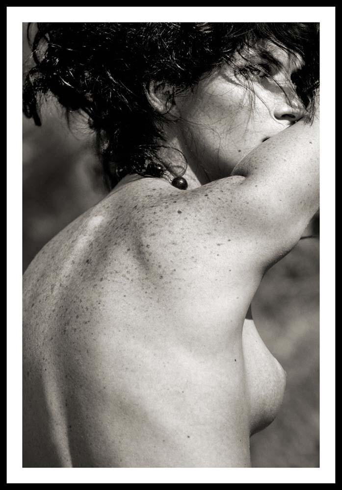 """Из серии"""" Тоскана"""". Портрет со спины. 2006 г.  120х80 см. C-print, рама, стекло(под заказ)."""