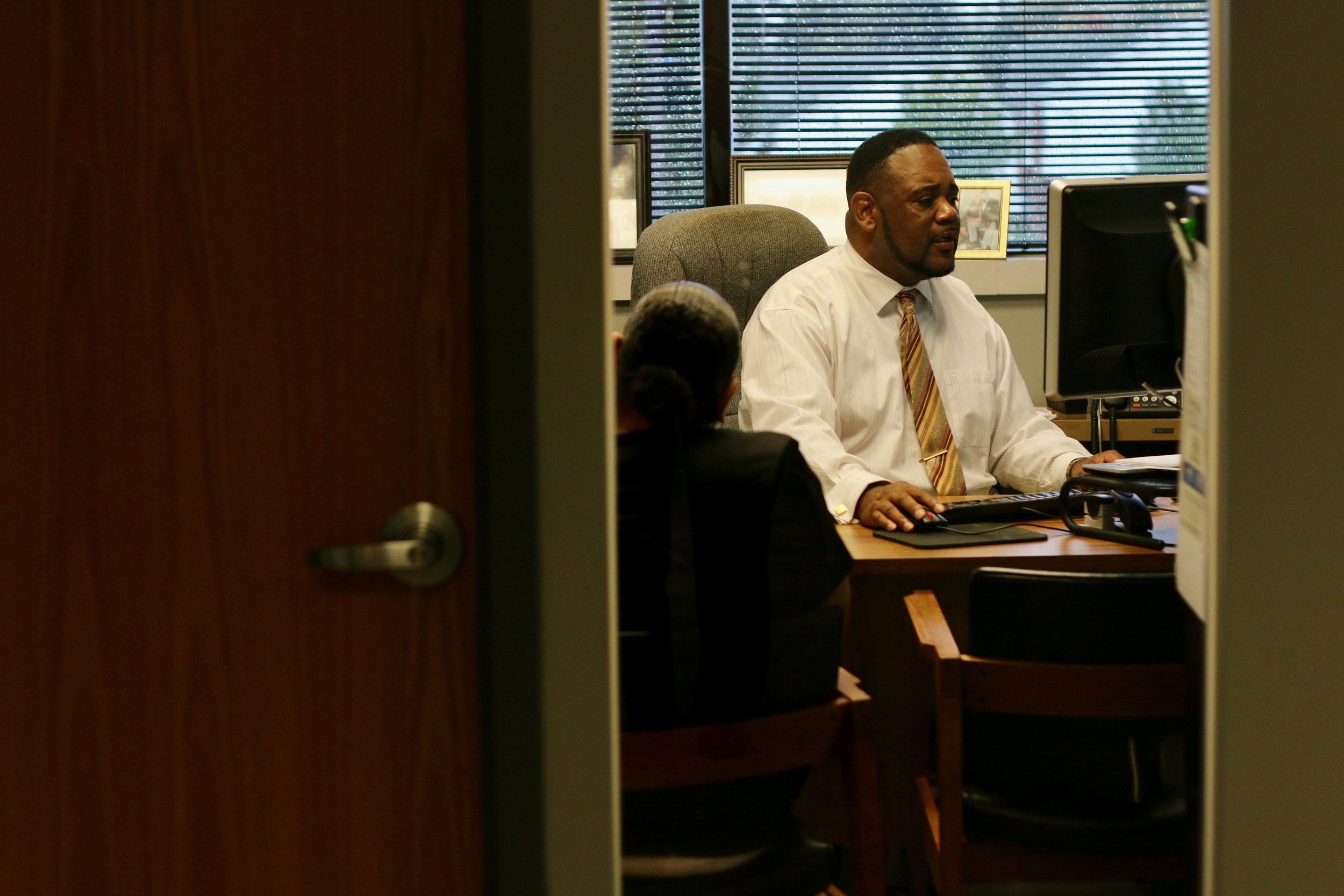 Homeport Counselor Kerrick Jackson meets with Save The Dream client.