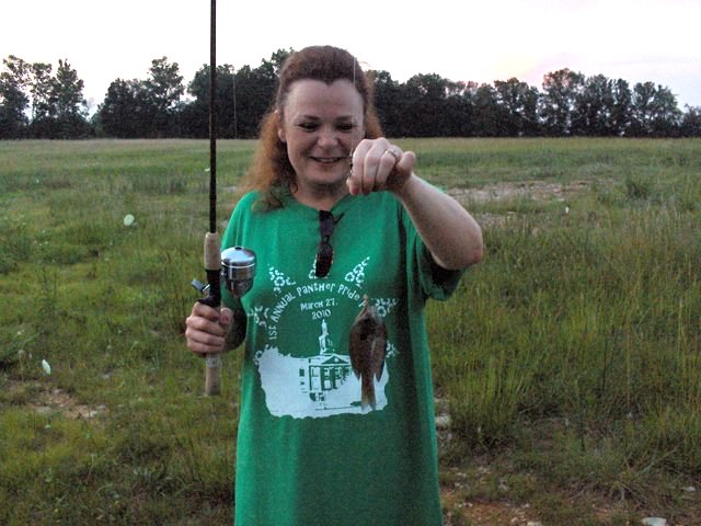 Tammy captured a bluegill fish in Tennessee. She released it back to the pond.