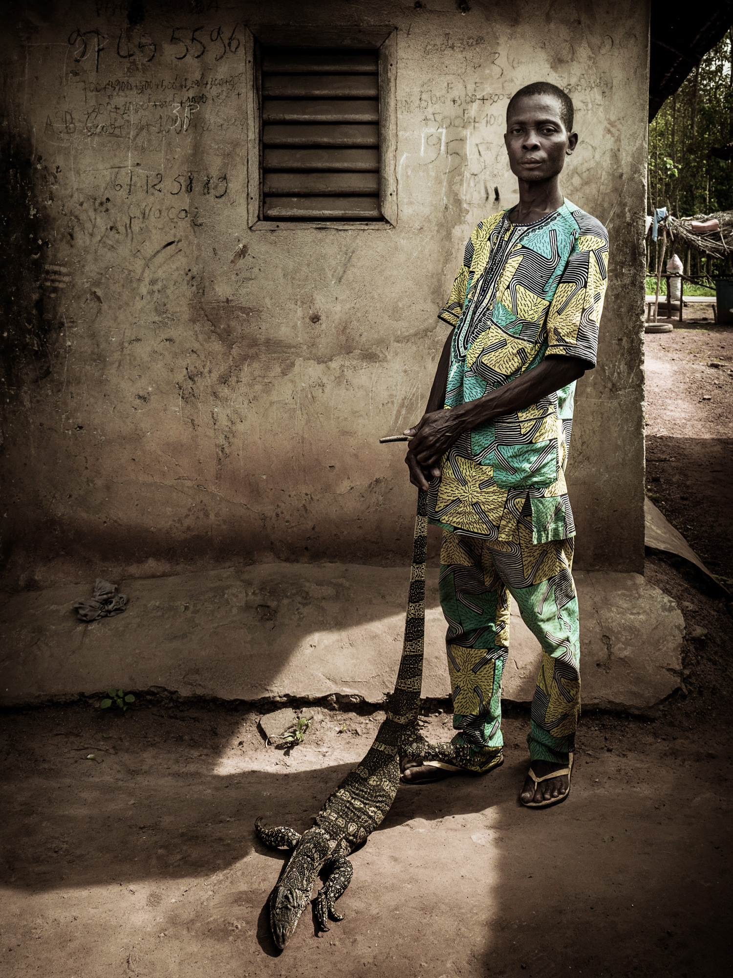 Benin_2000_Man with lezard.jpg