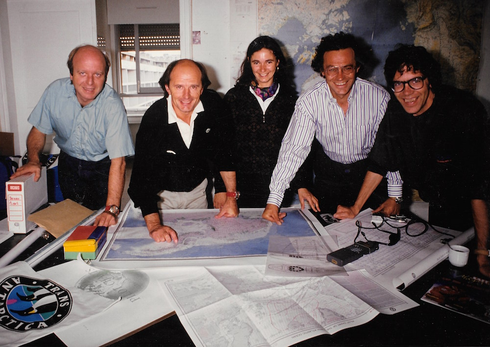 Trans-Antarctica Paris Office 1988: Bernard Buigues (Stef), Jean-Louis Etienne, Florence Soto, Michel Franco, Christian de Marliave (Criquet). Photo © Jean-Louis Etienne