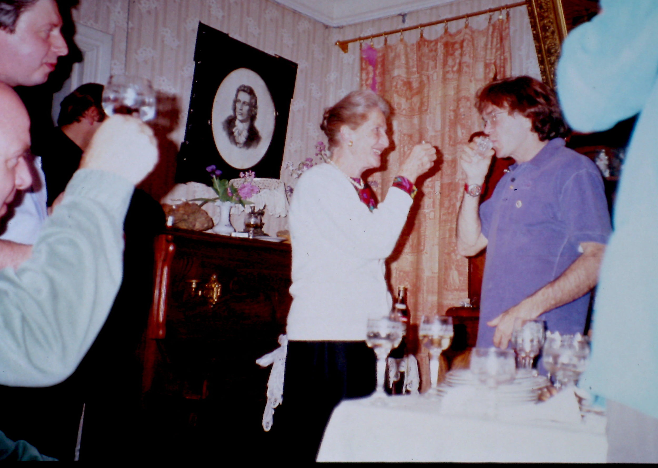 Mrs. Vieve Gore and Will Steger toast Trans-Antarctica in Victor Boyarsky's home in Leningrad. Photo: Cathy de Moll