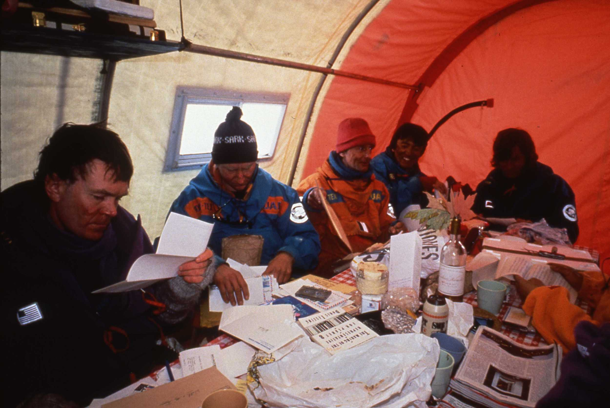Jacqui Banaszynski delivered piles of mail to the expedition team at Patriot Hills. ©Will Steger by Francis Latreille