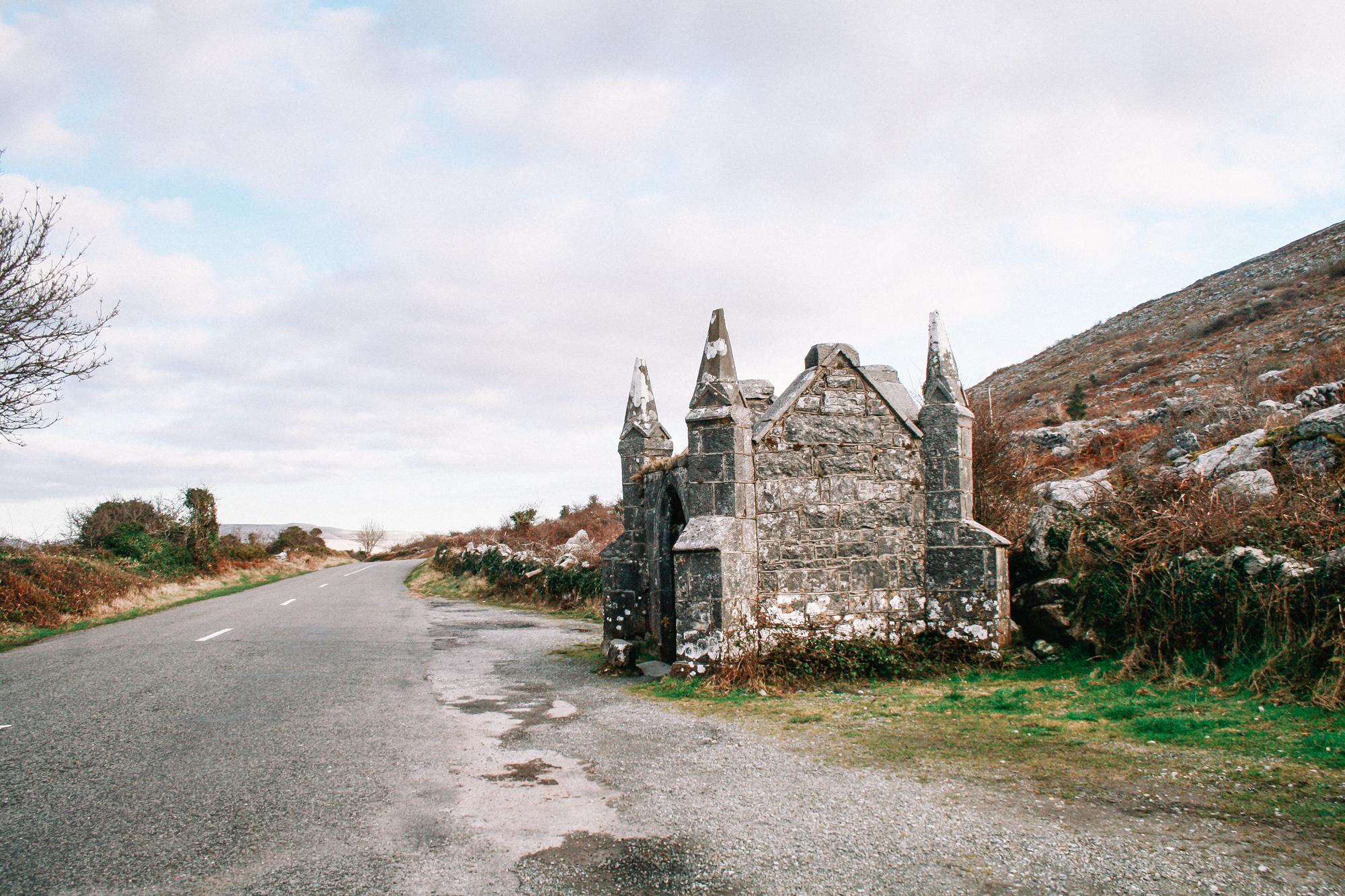 Hike to a Castle- Ballyvaughan, Ireland | Kenslie-26.jpg