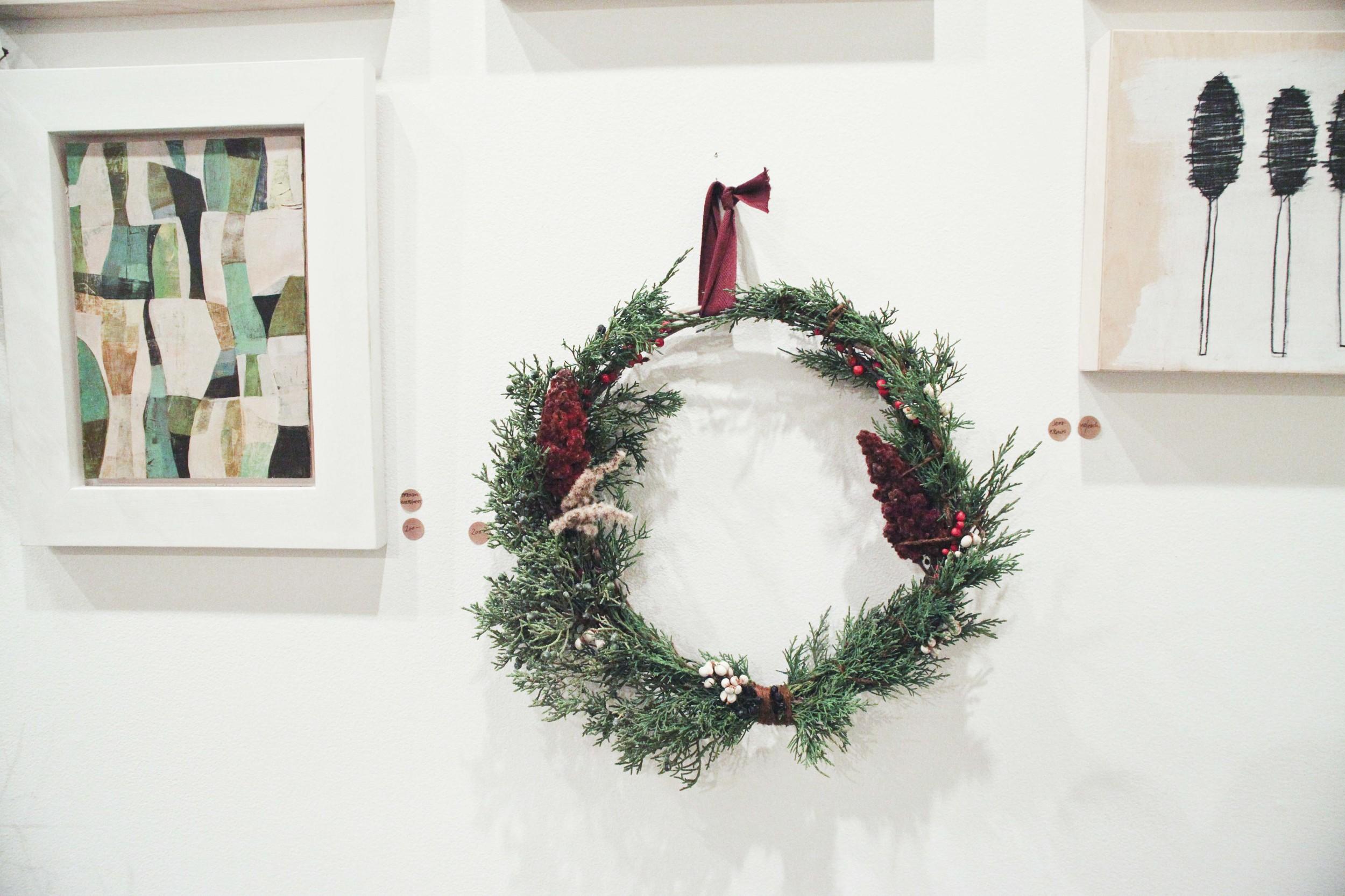 o-workshop-2014-wreath-wall_22.jpg