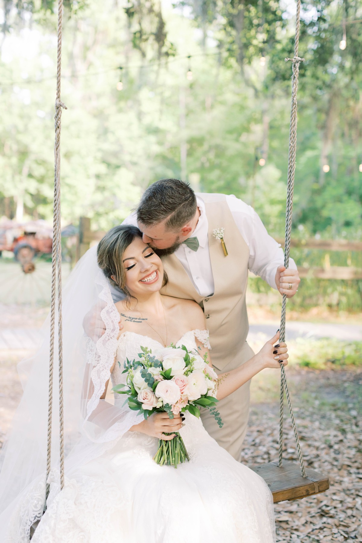 Bressler-Wedding-Preview-Tuckers-Farmhouse-Jacksonville-Wedding-Photographer-Chantell-Rae048.jpg