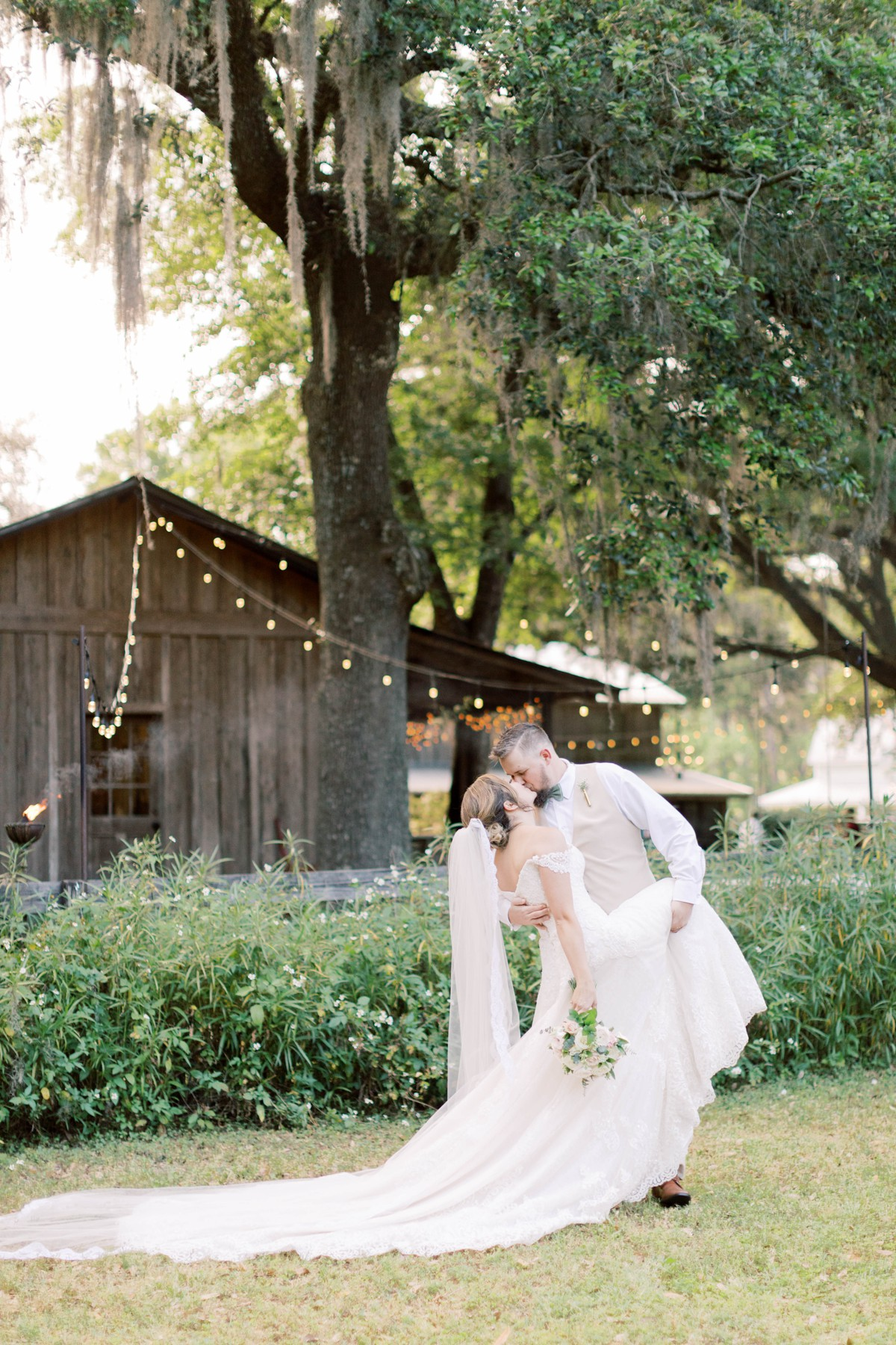 Bressler-Wedding-Preview-Tuckers-Farmhouse-Jacksonville-Wedding-Photographer-Chantell-Rae049.jpg