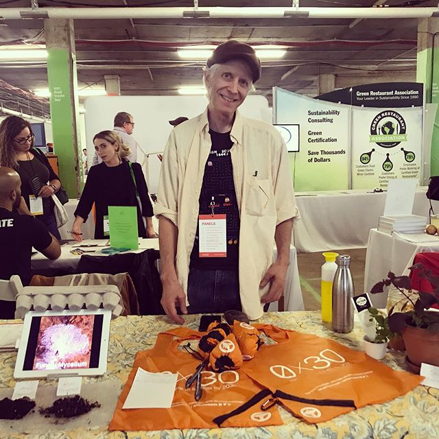 MSWAB is at the #nycfoodwastefair today. The fair is organised by the @strongestnyc and @nycsanitation to connect New Yorkers with the many businesses and organisations working to reduce #foodwaste in our city. We're here at table 50 with our fellow SWABers @queens_swab and #brooklynswab so stop by and say hi!
