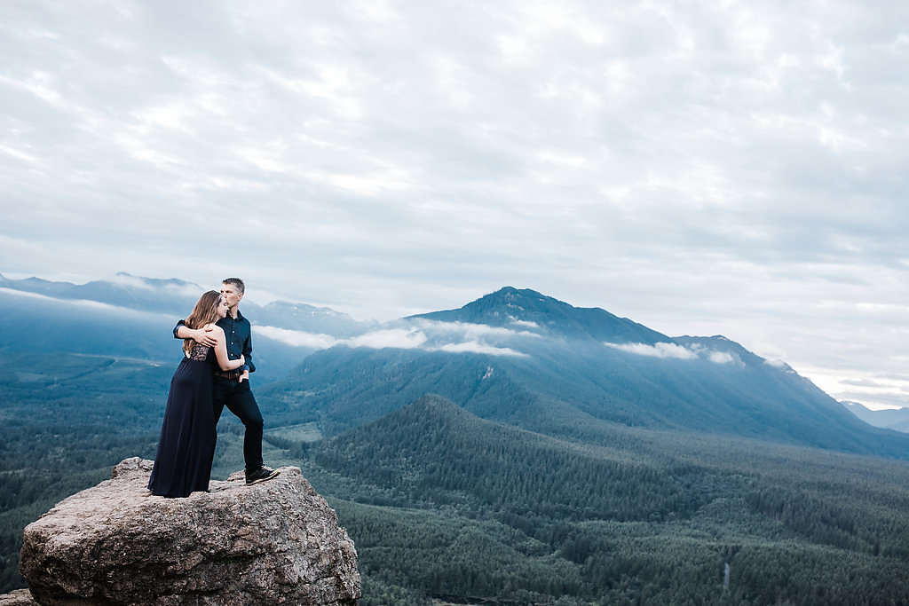 Eivind+Elyse_Engagement_Rattlesnake_lake_ridge_Seattle_Photographer_Adina_Preston_Weddings_211.JPG