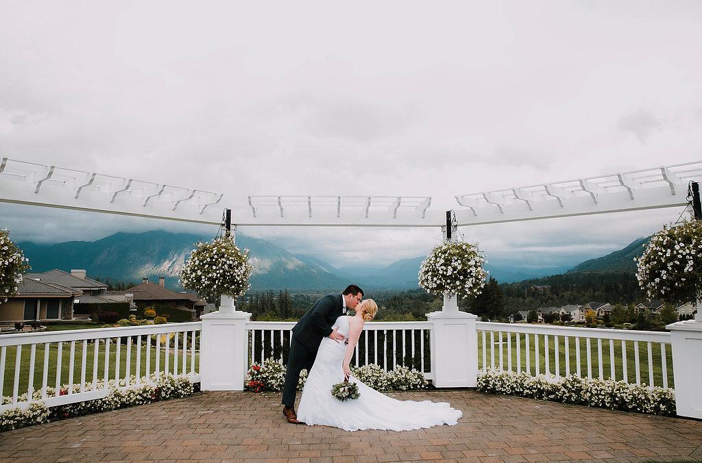 Lynnsey+Sam_The_Club_at_Snoqualmie_ridge_wedding_Seattle_by_Adina_Preston_Weddings_708.JPG