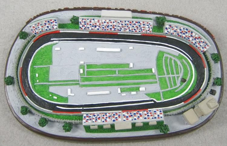 Darlington Raceway 108254.jpg